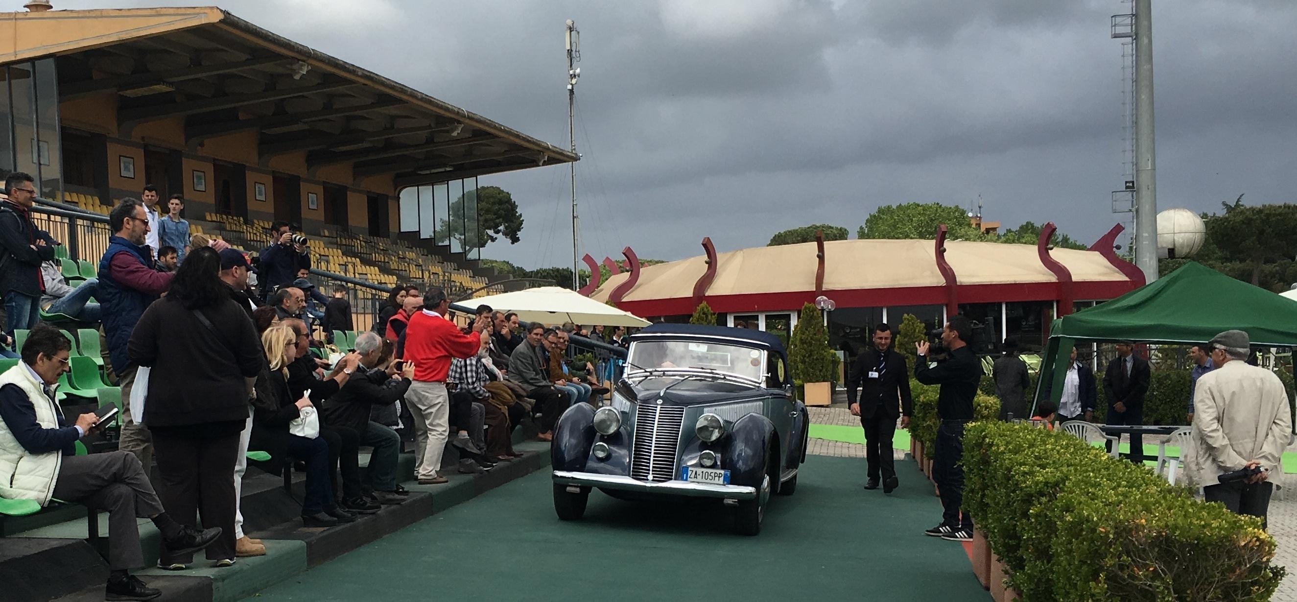 (Concorso Eleganza Parioli svolto nel 2016 – in foto Lancia Astura Cabrio Farina del '38)